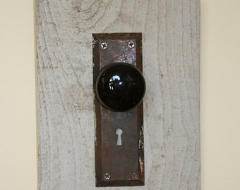 UPCYCLED DOORKNOB HANGER