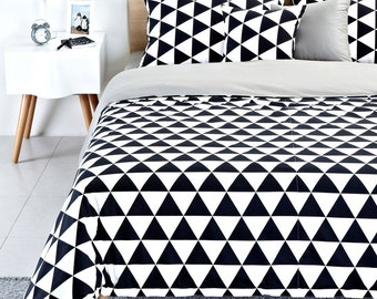 Contemporary Black & White Triangle Pattern Duvet Cover Set