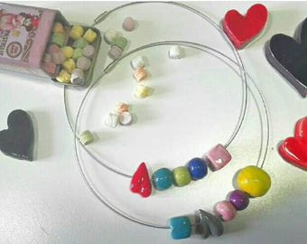 Choker with colored ceramic beads