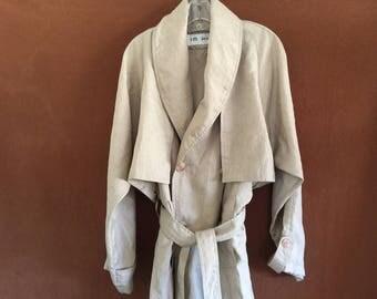 Beautiful lightweight trenchcoat