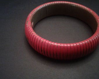 Red Painted Expansion Bracelet