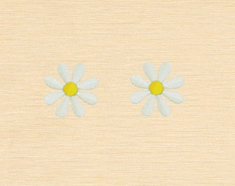 Set of 2 pcs Mini White Flower Iron On Patches Sew On Appliques