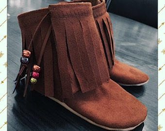 Fringe Stay-On Booties [baby booties, boots, moccs, moccasins, fall, winter, mocc, child shoes, child boots, kid boot, kids booties]