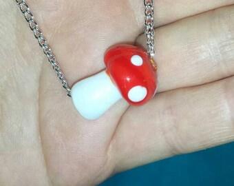Mushroom necklace - glass - Lampwork