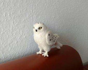 beautiful snowy owl, white owl, felt, soft decoration, Filztier, animal, forest, bird, Waldorf, statue, decorative, gift idea, felt figure felted,