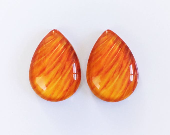 The 'Kaeli' Glass Statement Studs