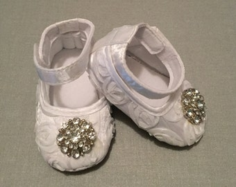 INFANT CRIB SHOES, Baby Shoes, Crib Shoes White Lace Baby Shoes, White Shoes, Baby Booties, Baptism Shoes, Christening Shoes, Lace Shoes