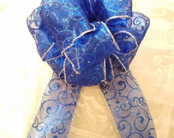 Handmade decorative gift bows