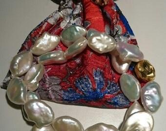 """Suez water Kettte """"Marguis"""" Pearl, gift idea"""