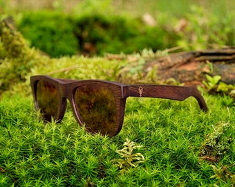 Robin Wood, bamboo wood sunglasses, brown bamboo, polarized lenses, UV400. Be eco, plant a tree!