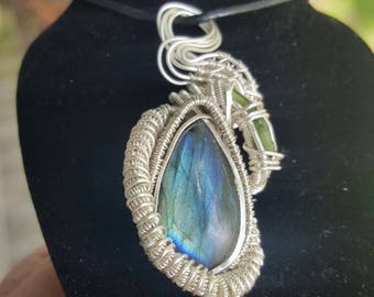 Labradorite jammer with green tourmaline