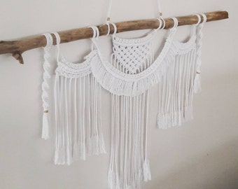 Hanging wall macramé • Bohemian decor •