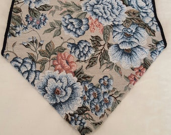 Blue Floral Tapestry Table Runner Linen, Vintage Dining Table Decor, Vintage Kitchen Table Decor, Home Decor, Housewarming/Birthday Gifts