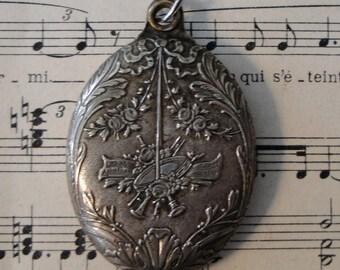 Antique French Art Nouveau Sliding Mirror Pendant Music c1900