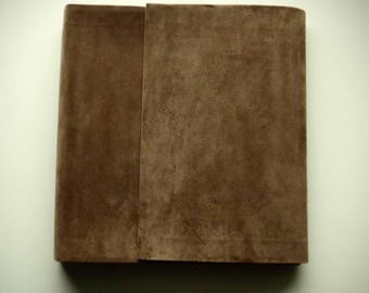 photo album with beize or black pages / brown / earthy / vintage theme weddings / sepia / black and white photographs / wedding gift