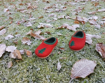 Children's Christmas Red/Green wool felt slippers