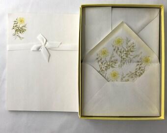 Vintage Stationery Set-Moss Rose-Decorated Sheets and Envelopes-Retro Floral Stationery Set