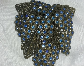 Vintage Little Nemo Dress Clip/Fur Clip,Sapphire Blue Stones,Grape Cluster,a 1950's piece