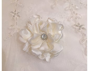 Ivory hair flower, handmade, wedding hair flower