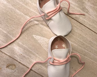 Baby boots, leather shoes, babybooties, shoes, booties, white
