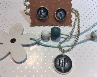 Harry Potter necklace and earrings