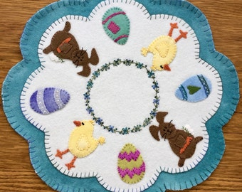 Wool Applique'- Kit & Pattern Eggscellent Easter