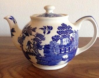"Churchhill ""Blue Willow"" Tea Pot. Made in England, Sadler."