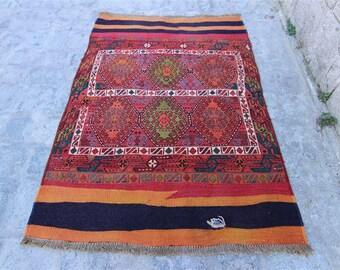 Vintage Besik Rug 3'7'' X 5'3'' Feet (113 Cm X 163 Cm) Turkish Kilim Rug, Vintage Turkish Kilim, Kilim, Kilim Rug, Area Rug
