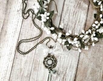 Vintage Lace & Mint Pendant Necklace in Antique Bronze