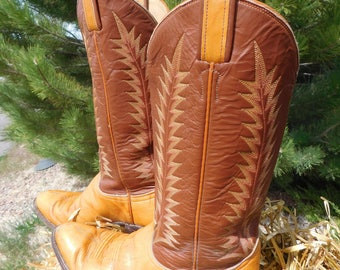 Great Looking Cowgirl Boots / Women's Leather Boots / Western Boots / Tony Lama Size 6 1/2 B