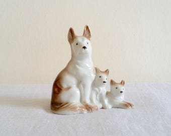 Porcelain Huskies Figurine, Sable Huskies, Made in Japan, Ceramic Husky Mom and Puppies, 1950s Husky Dog Figurine, Siberian Husky, Sled Dogs
