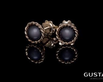 Gold & Freshwater Pearl Earrings