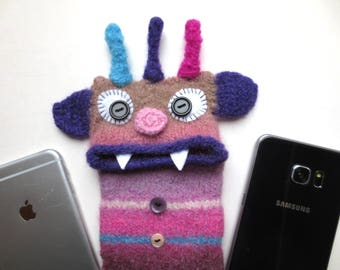 """Smartphone Monster """"Wolfgang"""", felted, cell phone pocket, sleeve, iPhone 6 plus, mobile monster, felt, wool, case, felted, edge Galaxy S 6 +."""