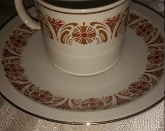 Dainty vintage collectible teacup and saucer
