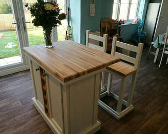 Kitchen island breakfast bar