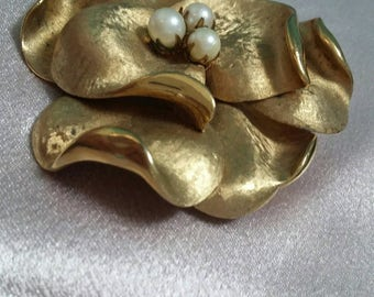 Francois gold and pearl flower brooch