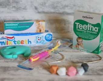 The Teething Surivial Kit • Teething/Nursing Necklace • Fiddle Toy • Breastfeeding • New Mum • Baby Shower