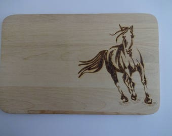 Horse on a breakfast Board as a gift for many occasions - also personalized with name