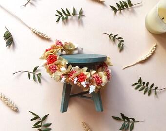 Diadema de flores preservadas en tonos coral y beige CRISTINA // Naturally preserved flower tiara