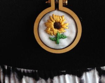 Sun burst embroidery necklace