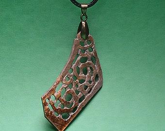 Maori jewellery, canoe-bug