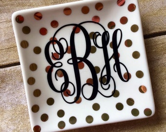 Custom ring dish / personalized ring dish / bridal gift / bridesmaid gift / engagement gift / birthday gift / ring holder / ring tray