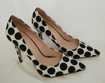 Retro spotted black and white rockabilly heels