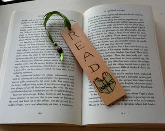 Bookmark, Woodburned with ribbon and Bead, handdrawn pyrography design, READ books with an open book woodburned, gift tag, book lover gift