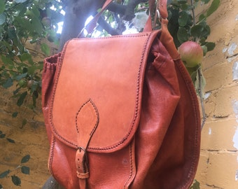 Gorgeous genuine vintage tan rustic leather convertible back pack bag