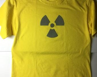 Glow in the dark radiation symbol-Tshirt (Large) yellow/grey