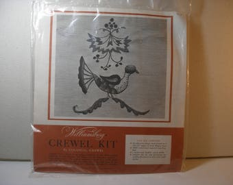 Williamsburg Crewel Kit by Colonial Crewel