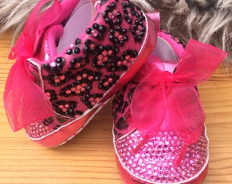 Stunning leopard print baby shoes