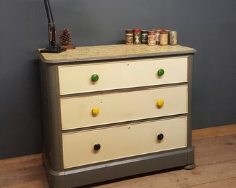 Antique victorian painted shabby chic chest of drawers, lovely old paint from the 50 funky/retro/vintage.....