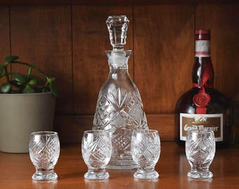 Cut Crystal Decanter with 4 Shot Glasses